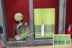 Messbuchhülle grün Stickerei Kerze