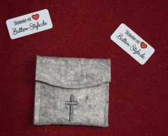 Rosenkranztäschchen PES-Filz Kreuz grau